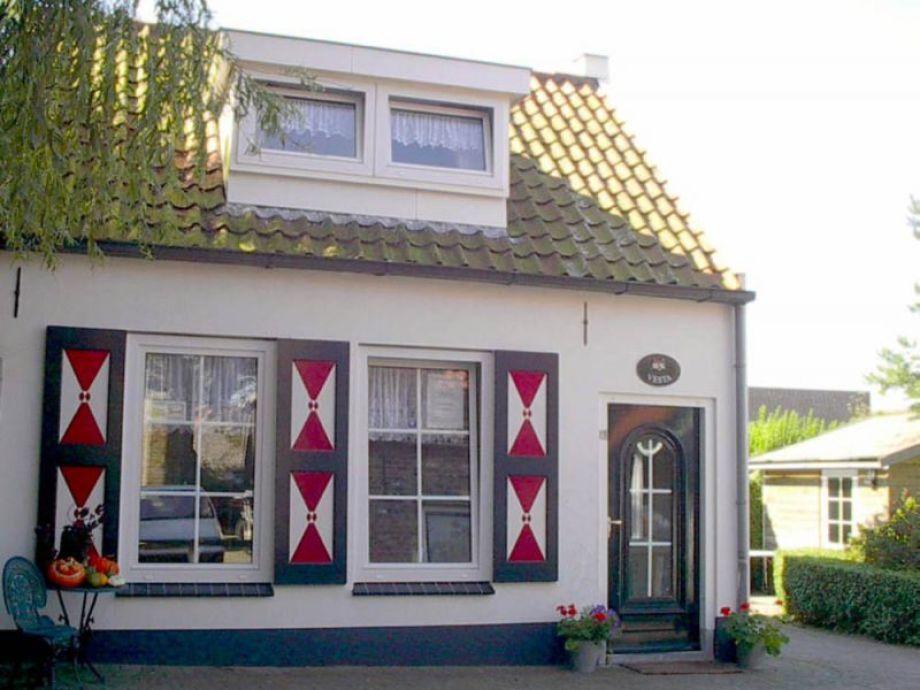 Außenaufnahme Gemütliches und authentisches Ferienhaus (AMO52)