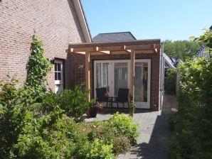 Komfortables und ebenerdiges Ferienhaus (DPL33)