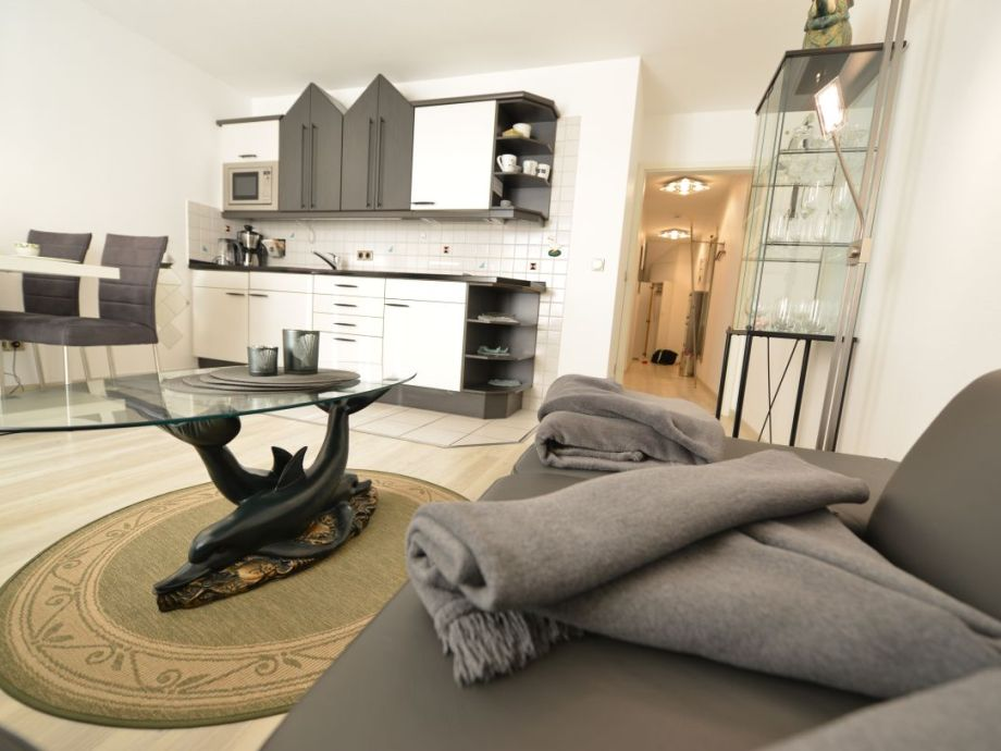 Sofa mit Küchenzeile