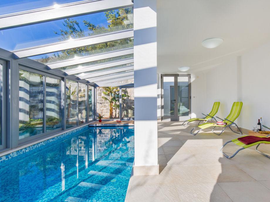 Swimming Pool Villa Lacus