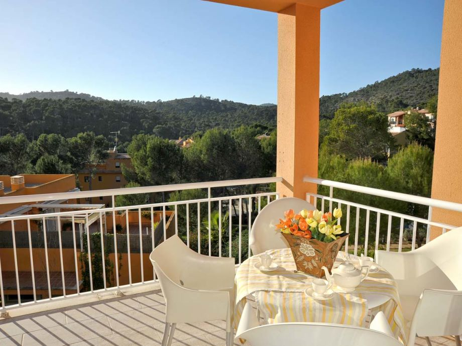12 qm grosse Terrasse mit schönem Blick
