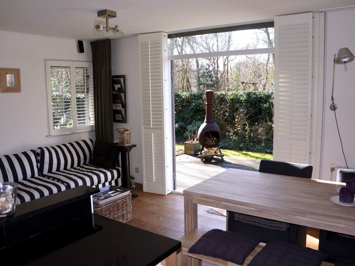 Ferienhaus elzenmeet 2 renesse firma sorglos urlaub in - Eingerichtete wohnzimmer ...