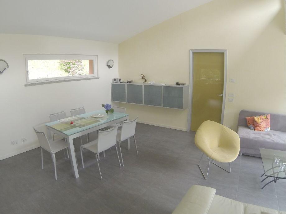 Ferienwohnung casa ortensia lago maggiore tessin herr for Ausziehtisch wohnzimmer