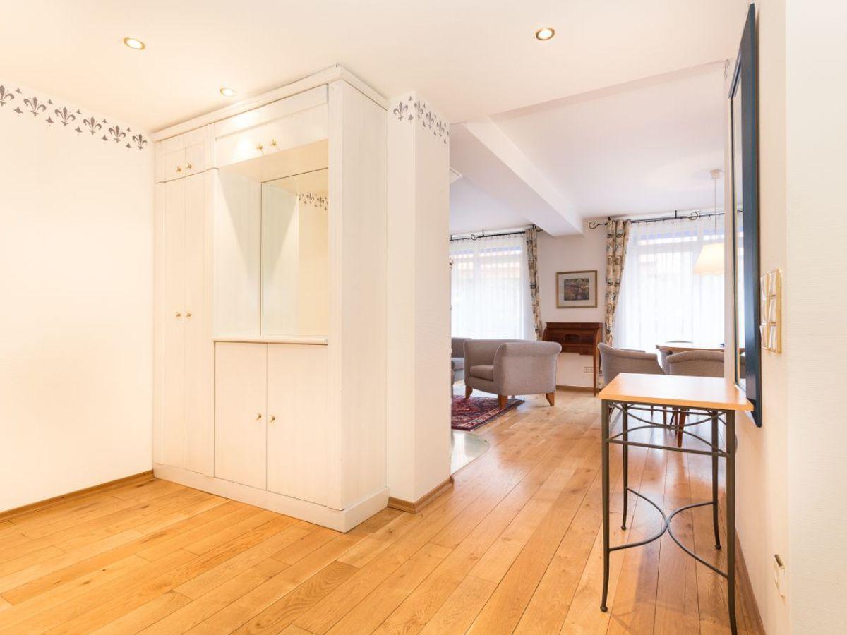 ferienwohnung exklusives feriendomizil mit kamin und balkon nordseeinsel juist firma juist. Black Bedroom Furniture Sets. Home Design Ideas
