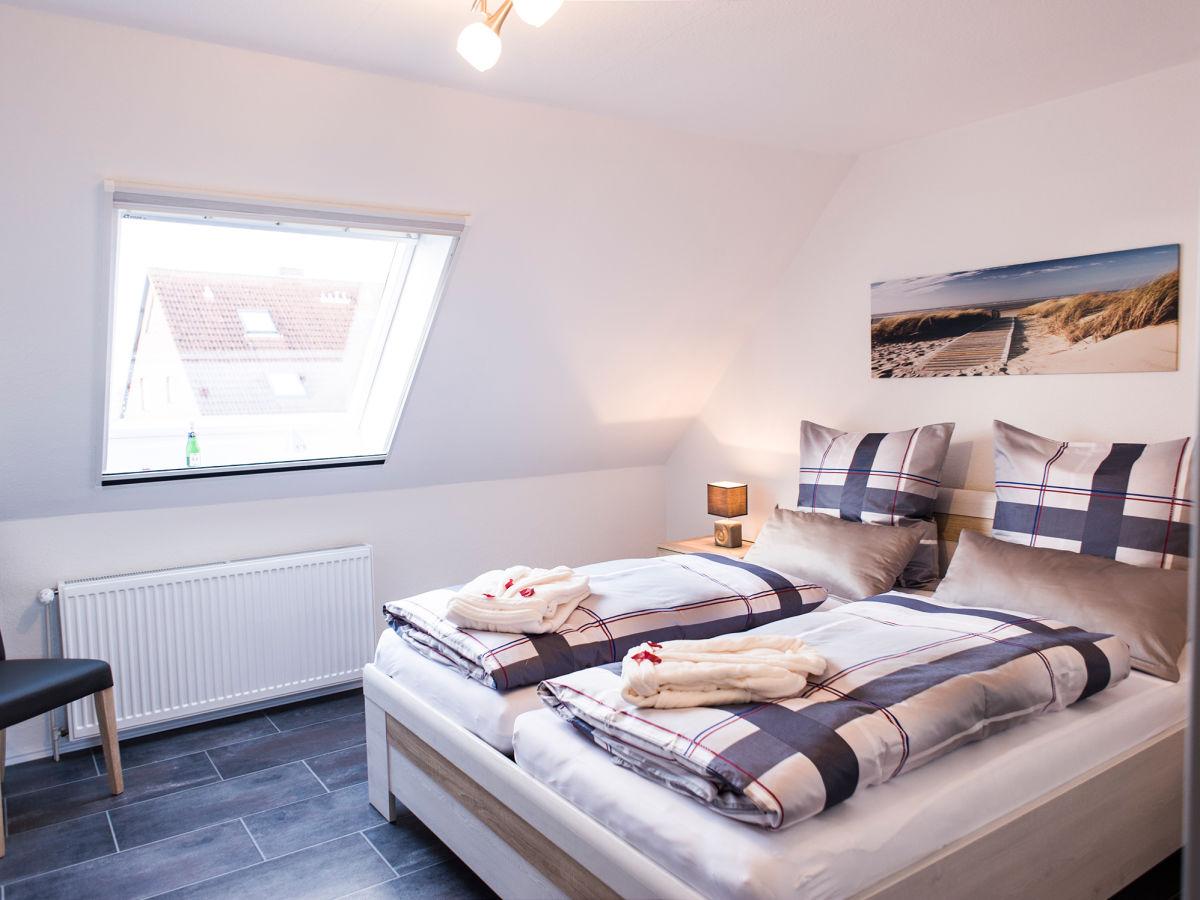 ferienhaus dat reithuus schonerweg norddeich ostfriesland. Black Bedroom Furniture Sets. Home Design Ideas