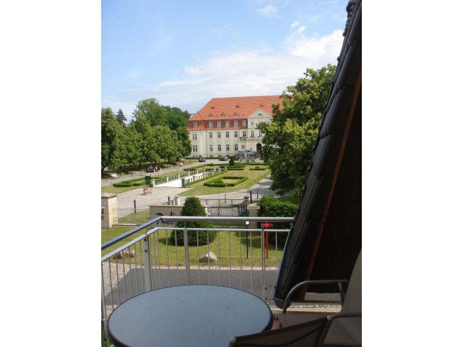 Balkon mit Blick zum Schloß