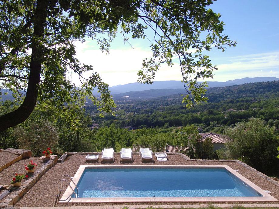 Freistehendes Ferienhaus mit privatem Pool und Blick