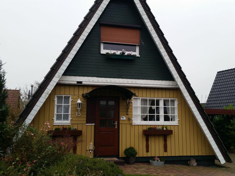 Außenansicht Nurdachhaus Krabbenweg 15
