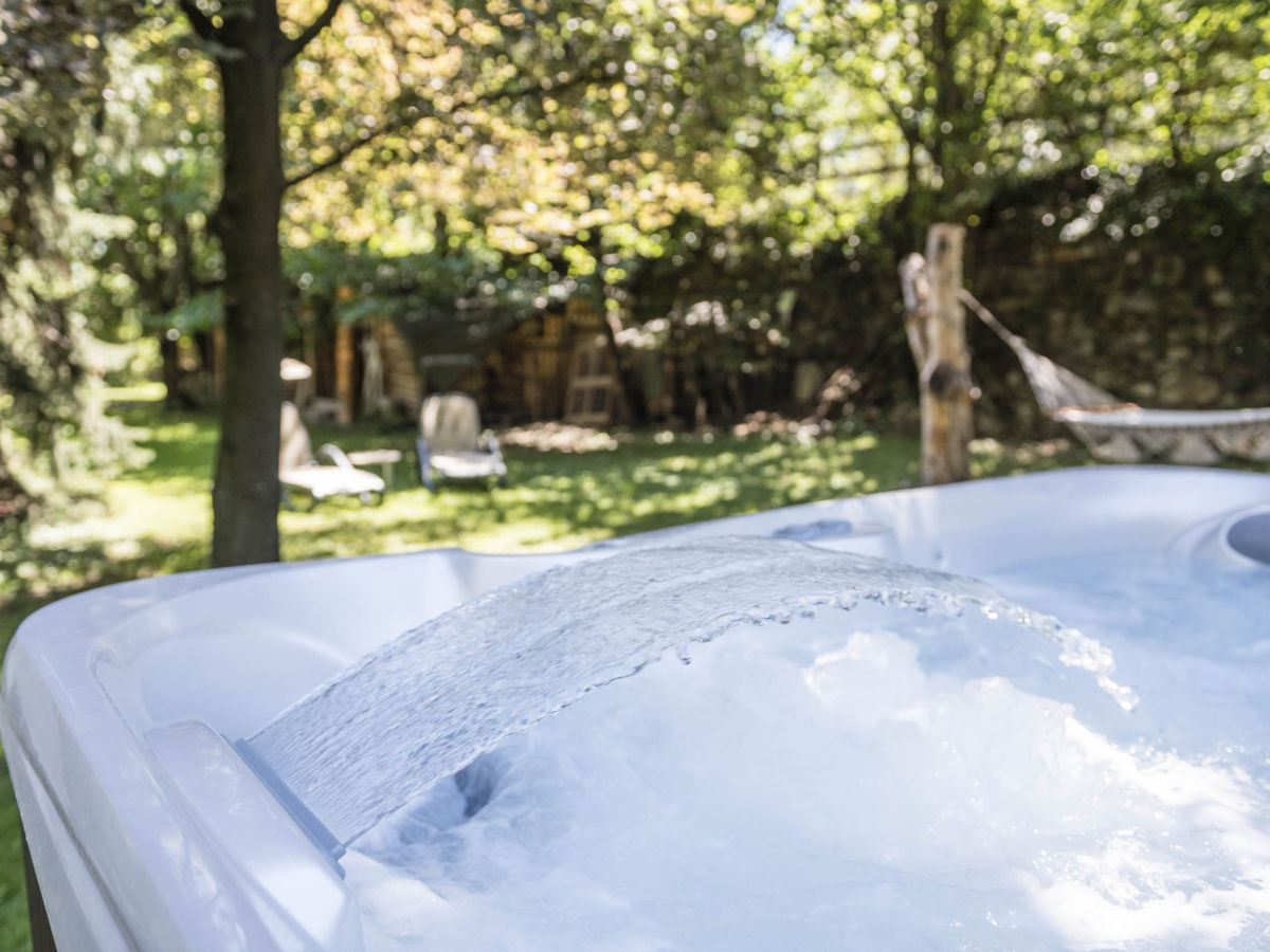 Awesome Whirlpool Im Garten Charme Badetonne Contemporary - New ...
