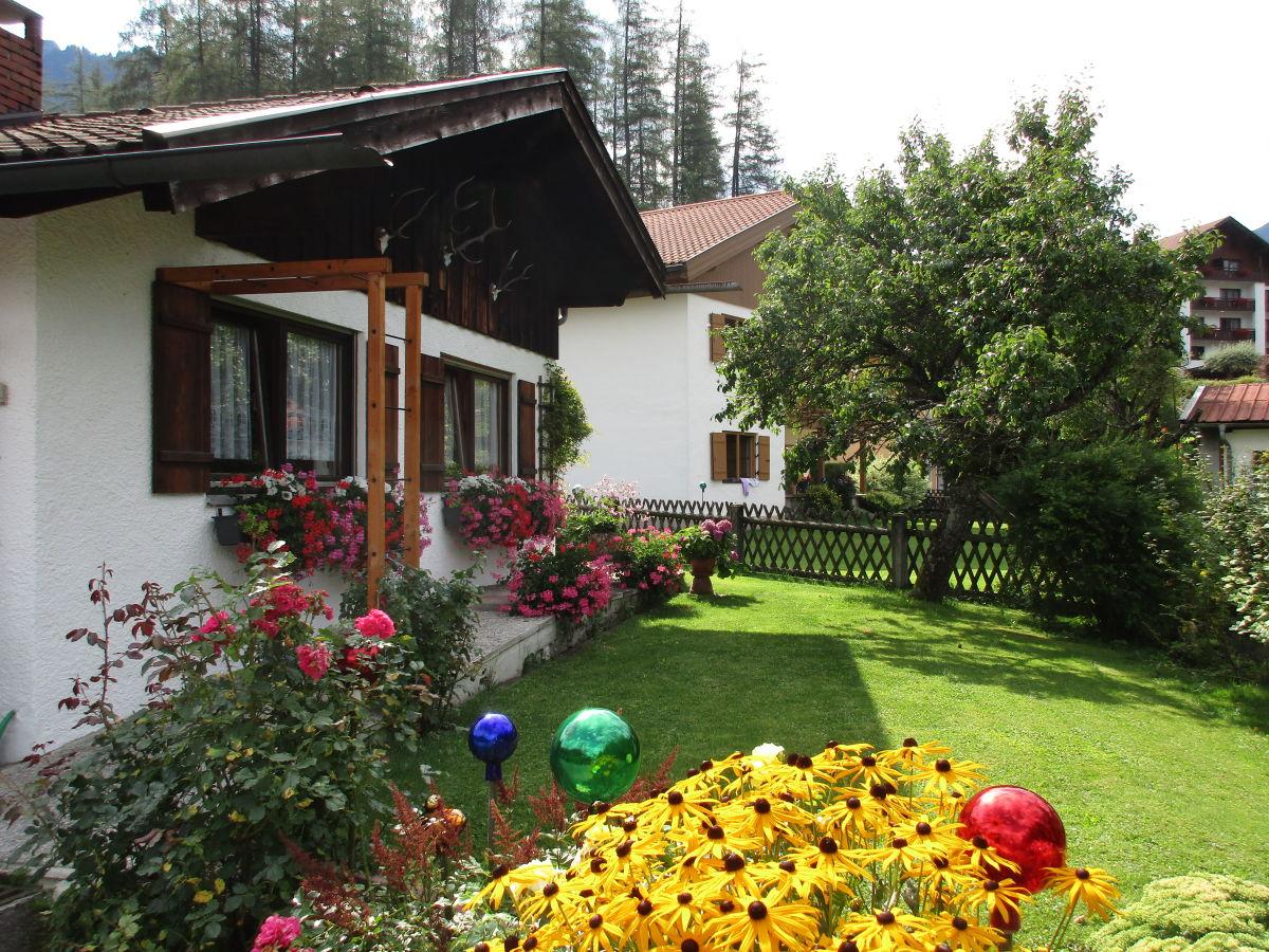 ferienwohnung maurer ammergauer alpen oberammergau frau elisabeth gindhart. Black Bedroom Furniture Sets. Home Design Ideas
