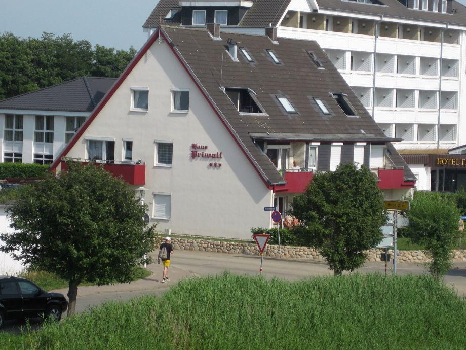 Ferienhaus im Sommer. 2012 - 2014 komplett renoviert