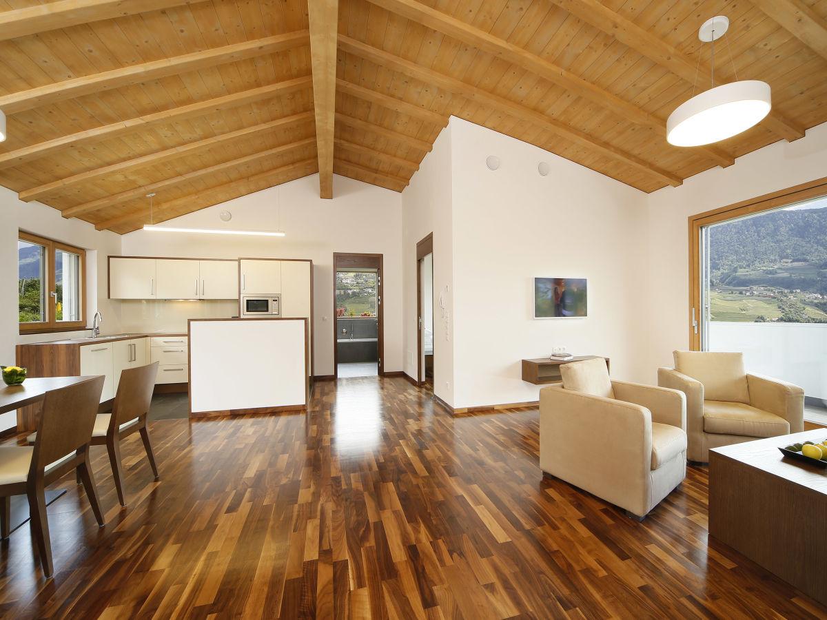 ferienwohnung penthouse italien s dtirol firma hotel appartement krone s familie elke. Black Bedroom Furniture Sets. Home Design Ideas