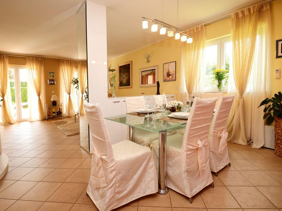 Villa Wohnzimmer : Villa rosana istrien firma solis porec frau iris leto bulesic