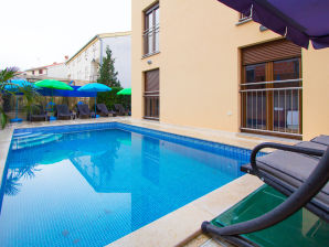Holiday apartment Patricia A4 with pool