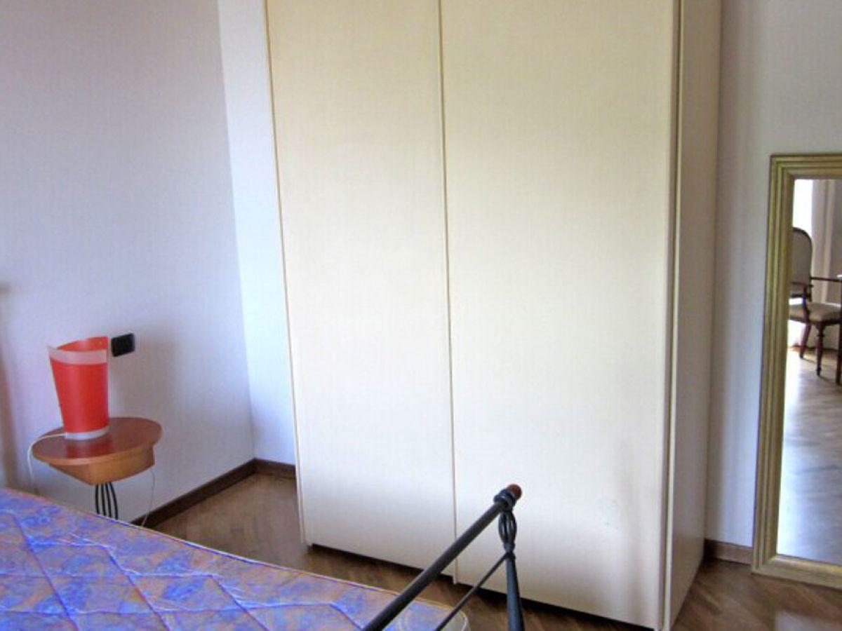 Wunderbar Großer Kleiderschrank Schlafzimmer Galerie ...