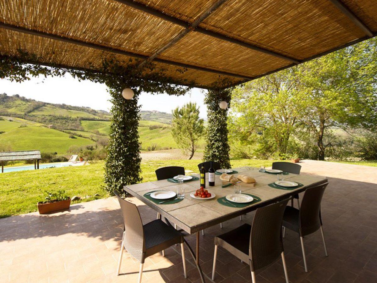 ferienhaus villa maurino toskana guardistallo firma. Black Bedroom Furniture Sets. Home Design Ideas
