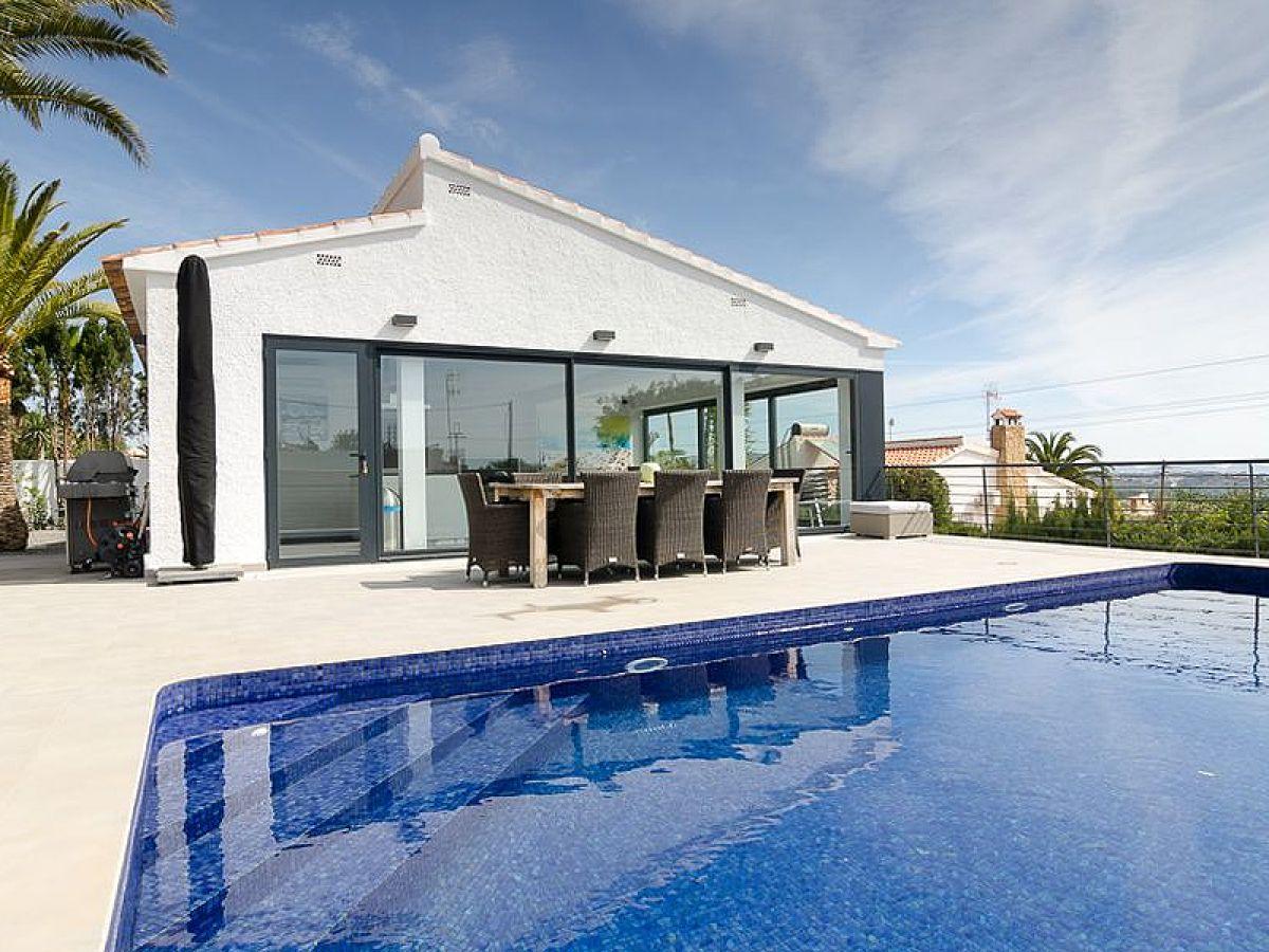 Villa moderna calpe firma ambi villas mr wolfgang ewald for Villa moderna
