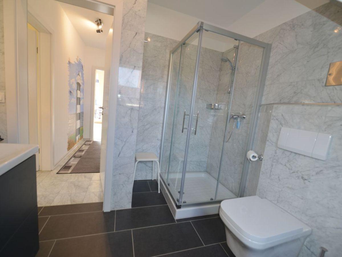 Dusche Mit Fenster : Dusche/WC mit Fenster inkl. Strandkorb am Strand saisionbedingt Dusche