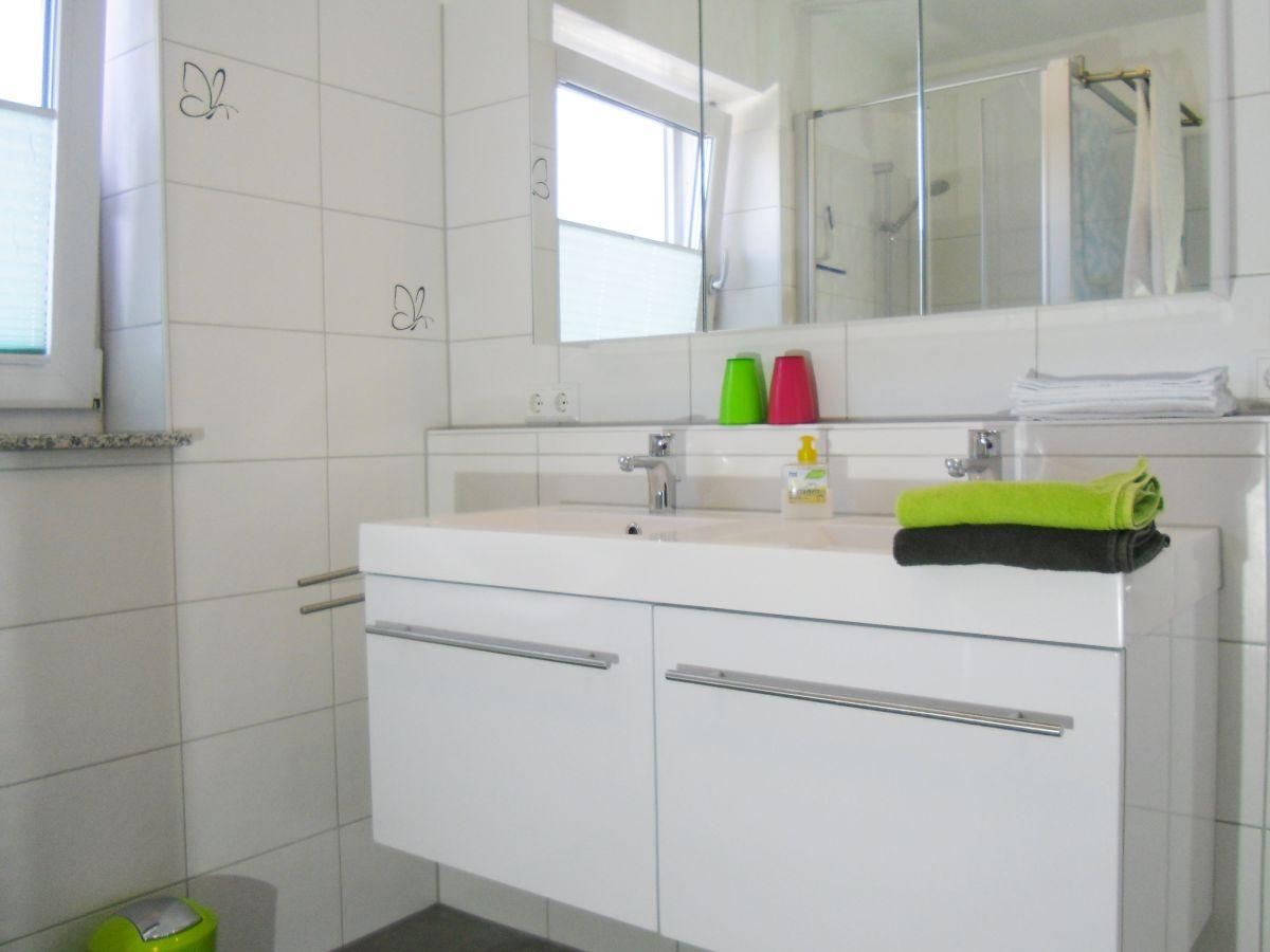 Ferienwohnung domizil panoramaweg bodensee berlinger for Spiegelschrank doppelwaschbecken