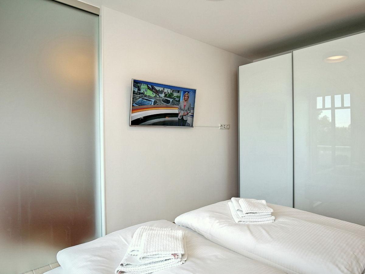 Ferienwohnung 16 in der ferienanlage linden palais lp 16 - Dusche im schlafzimmer ...