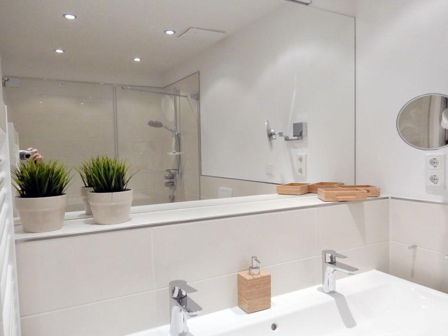 dusche neu gestalten verschiedene design. Black Bedroom Furniture Sets. Home Design Ideas