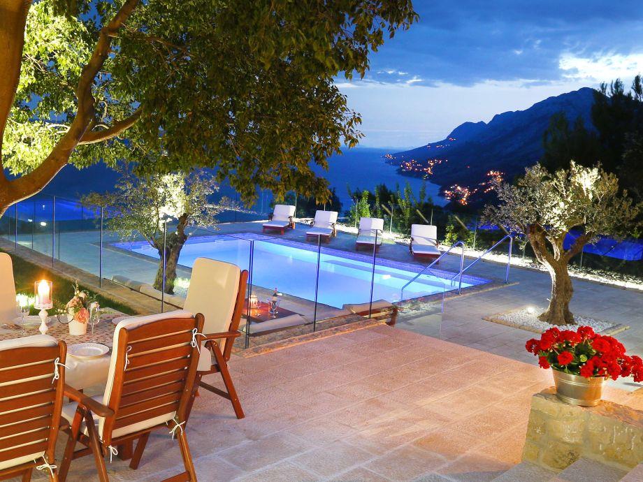 Ferienhaus / Swimmingpool / Blick