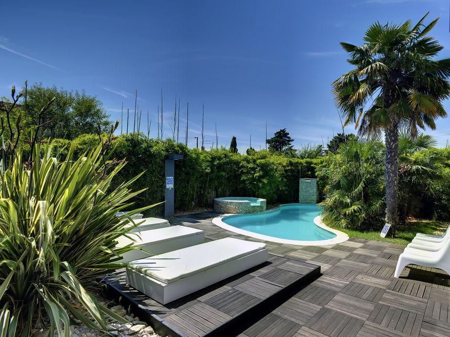 villa ant medulin istrien firma tourist agency luna rossa mr kristian tanger. Black Bedroom Furniture Sets. Home Design Ideas
