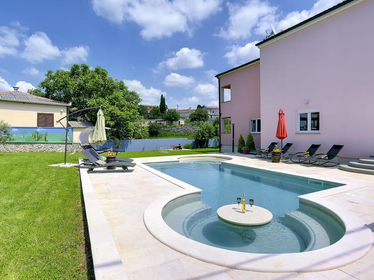 schwimmbad im haus kosten schwimmbad im haus kosten. Black Bedroom Furniture Sets. Home Design Ideas