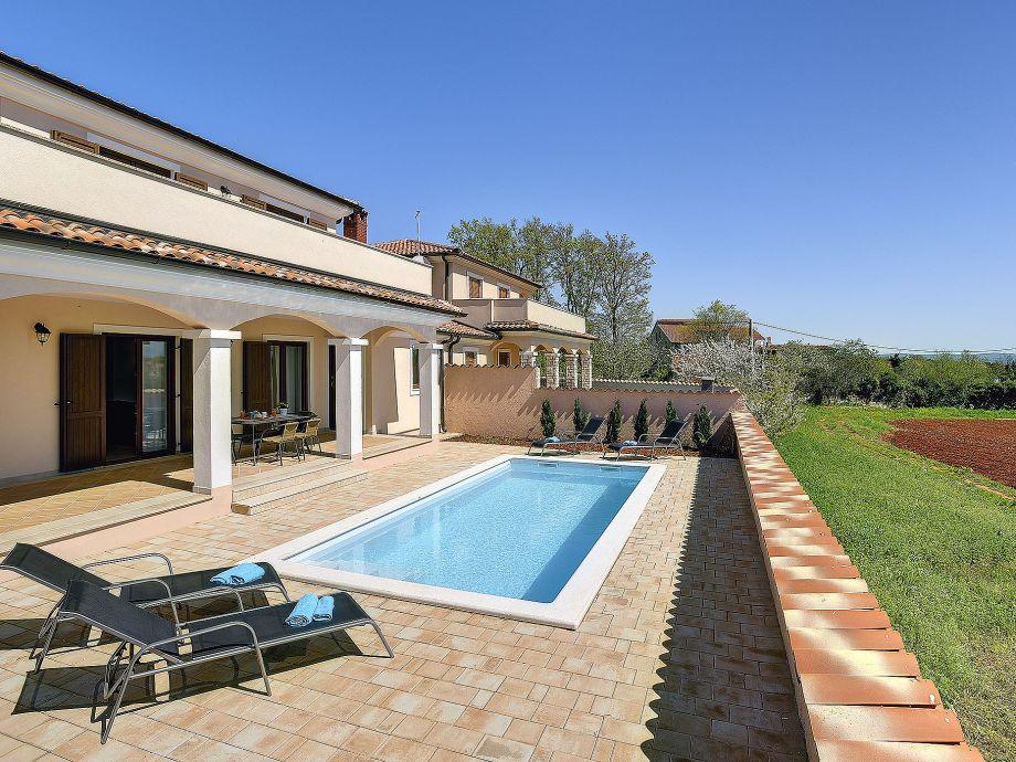 Swimming pool with sun terrace