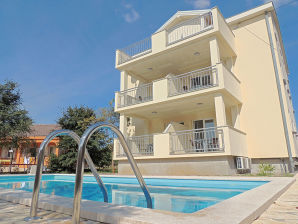 Holiday apartment Corak with pool