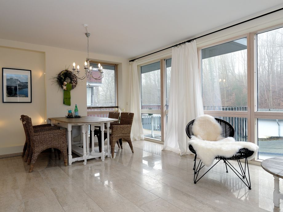 ferienwohnung kleiner seeblick ostsee timmendorfer strand firma timm tours frau birgit doerfel. Black Bedroom Furniture Sets. Home Design Ideas
