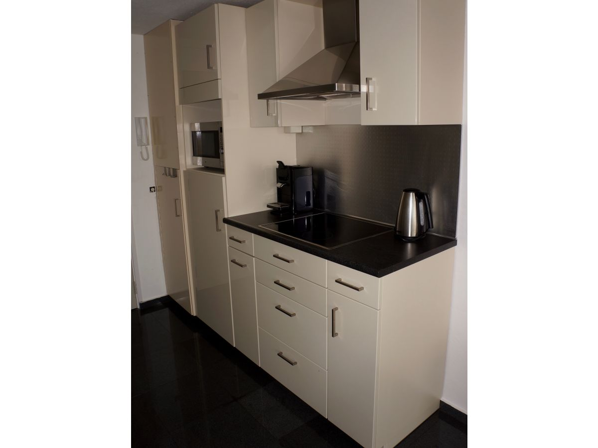 ferienwohnung jachthaven marina zeeland bruinisse firma sorglos urlaub in zeeland frau. Black Bedroom Furniture Sets. Home Design Ideas