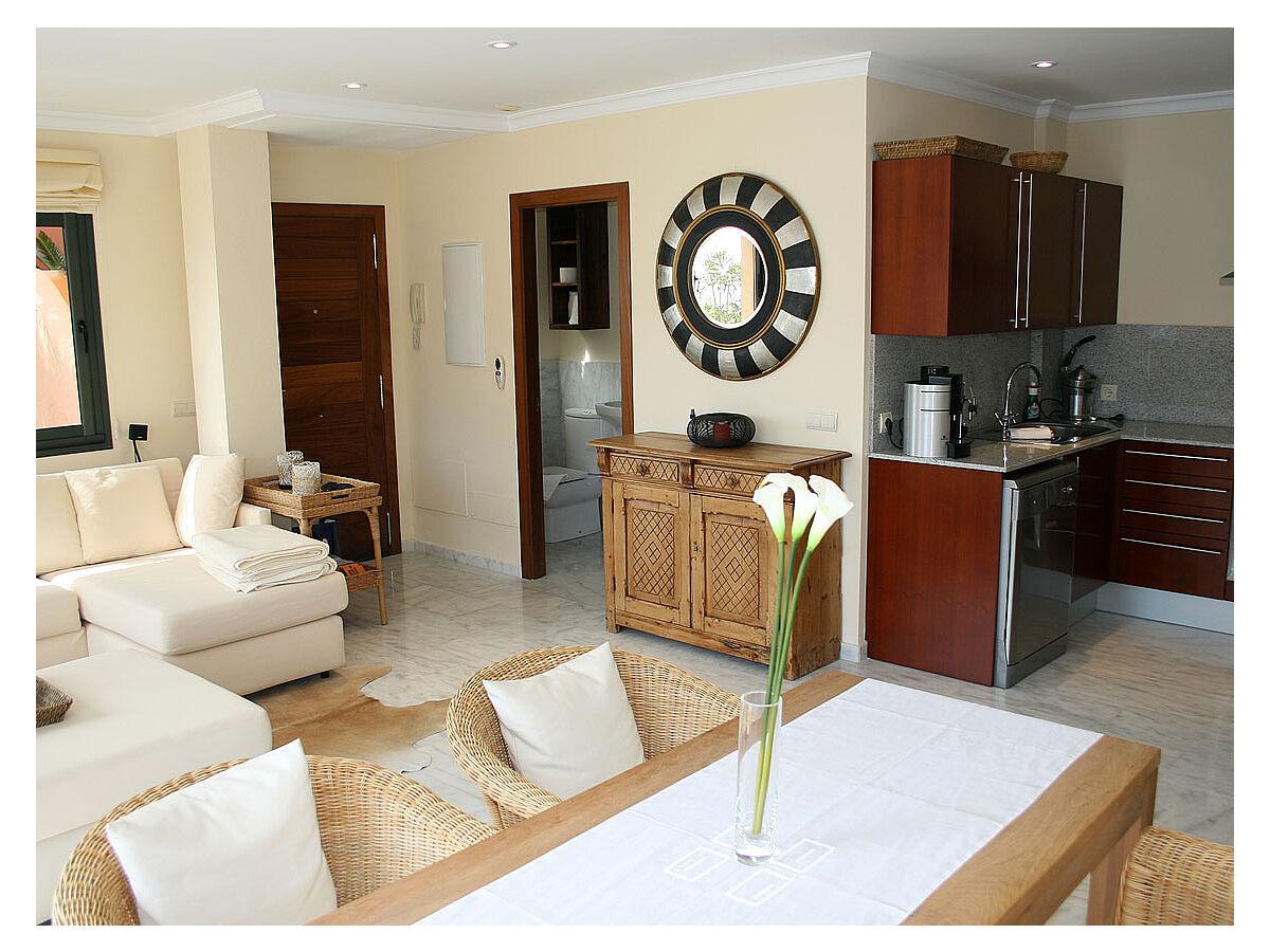 amerikanische schlafzimmer wohndesign und inneneinrichtung. Black Bedroom Furniture Sets. Home Design Ideas