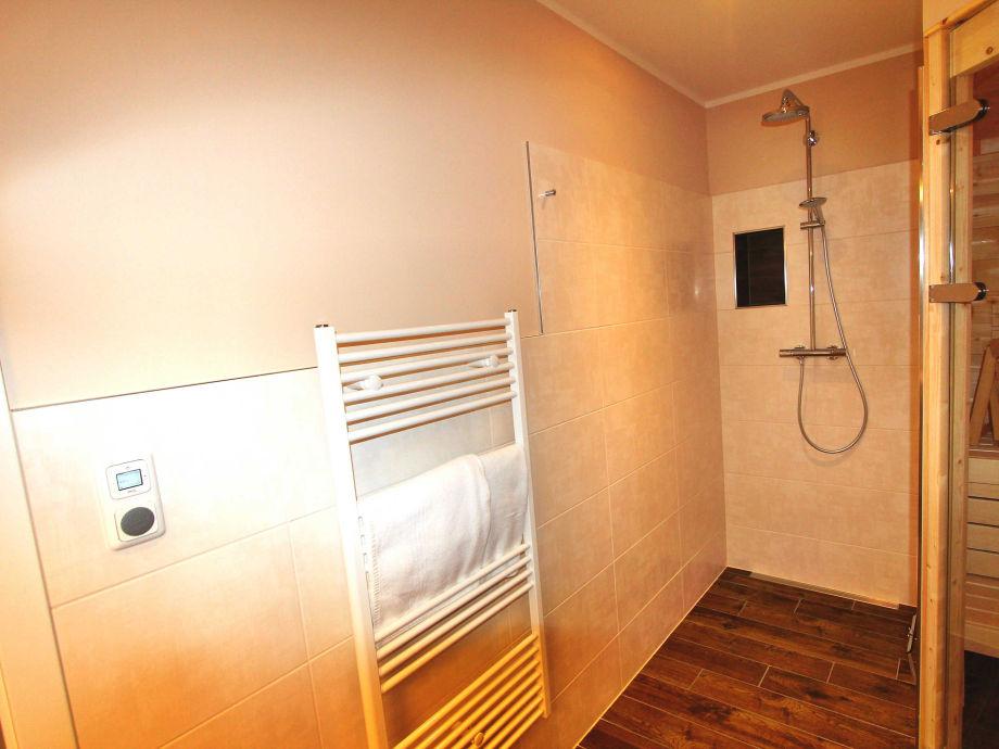 ferienwohnung villa lifestyle luxus vip lounge suite fleesensee meckenburgische seenplatte. Black Bedroom Furniture Sets. Home Design Ideas