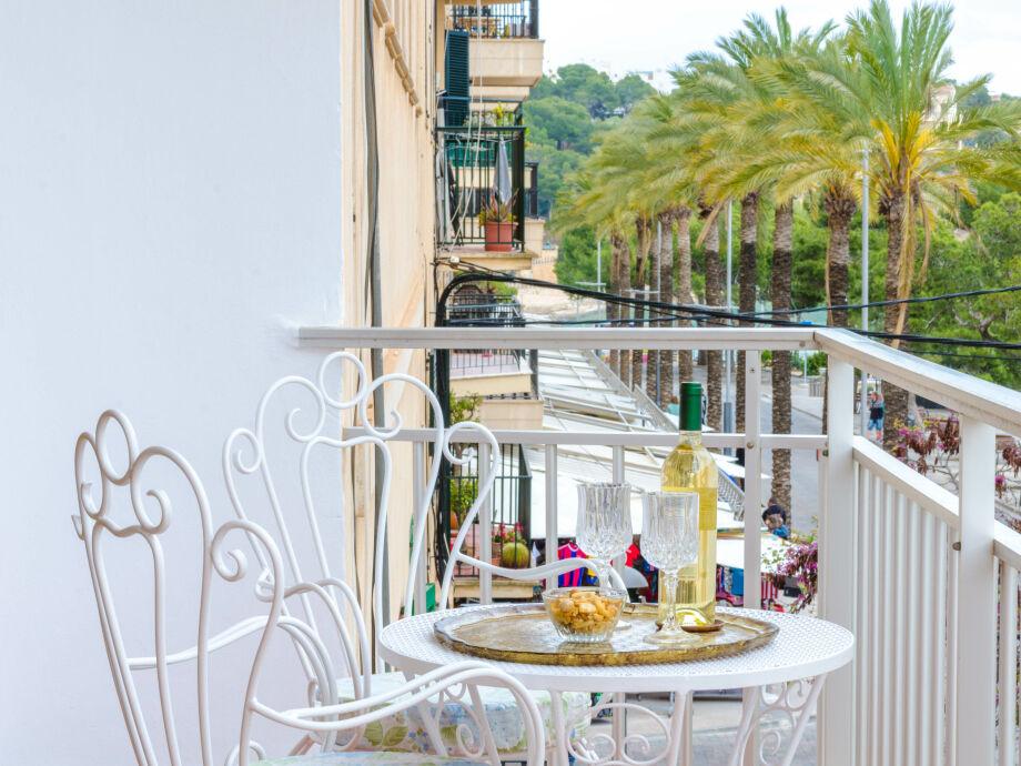 Terrasse mit herrlichem Blick über die Strandpromenade