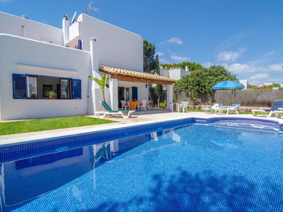 Ferienhaus mit großem Pool