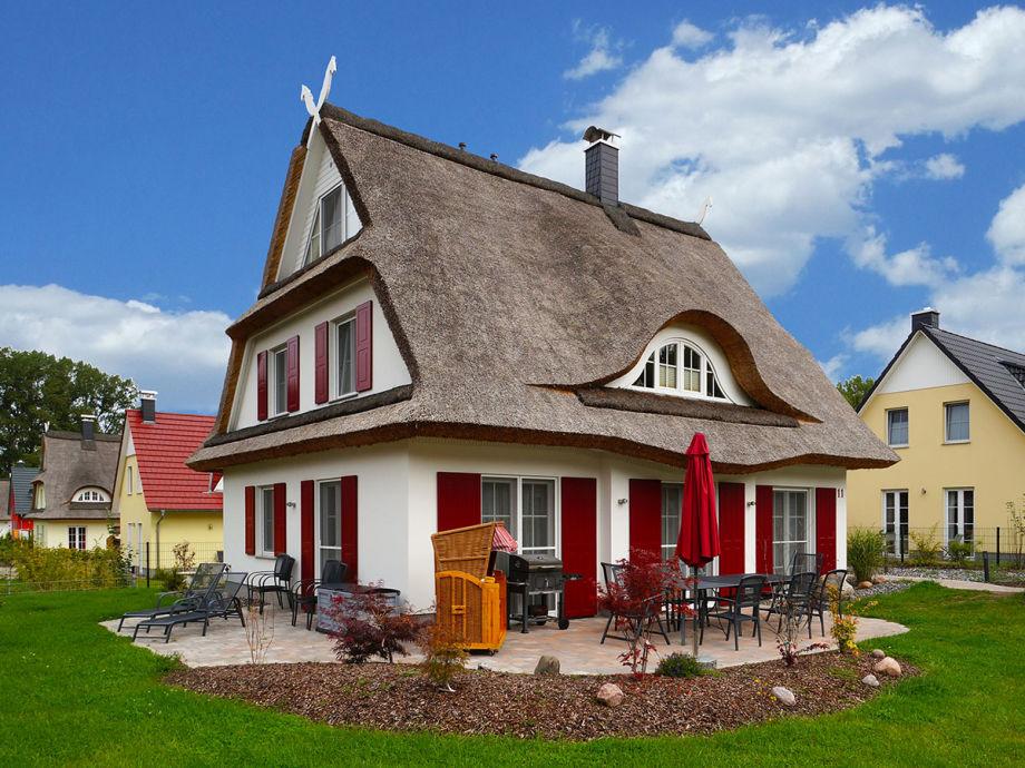 Außenansicht des Hauses mit Terrasse