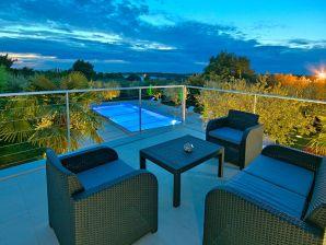 Holiday apartment Materada with pool