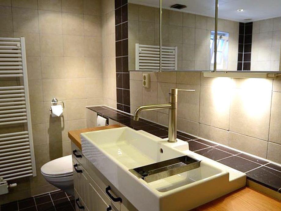 Ferienhaus wijnhuis texel oosterend firma texelduinen for Das moderne badezimmer