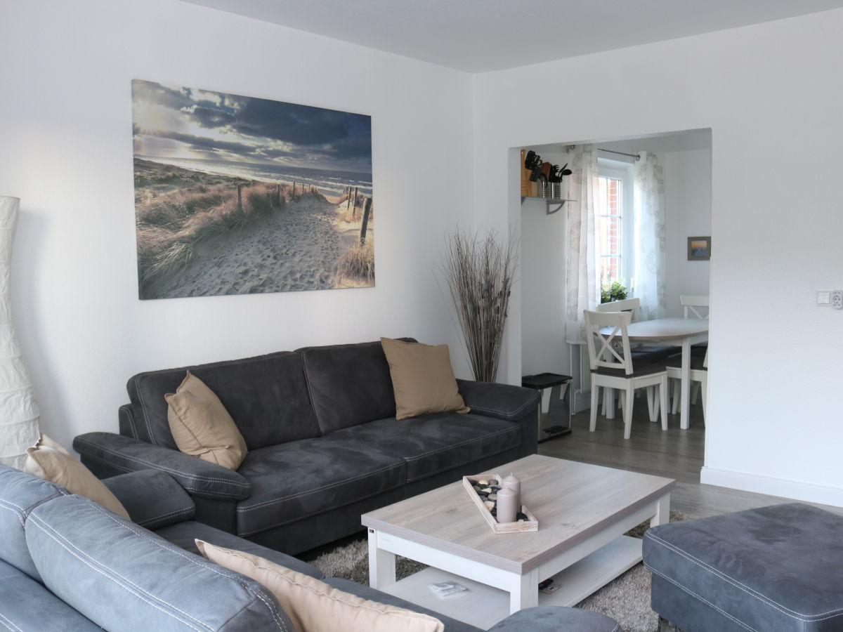 Ferienwohnung 8 in der anlage lister tor sylt firma for Esstisch wohnzimmer