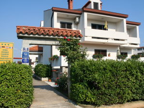 Holiday apartment App 5 Villa Falcon
