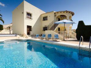 Villa Aqualin