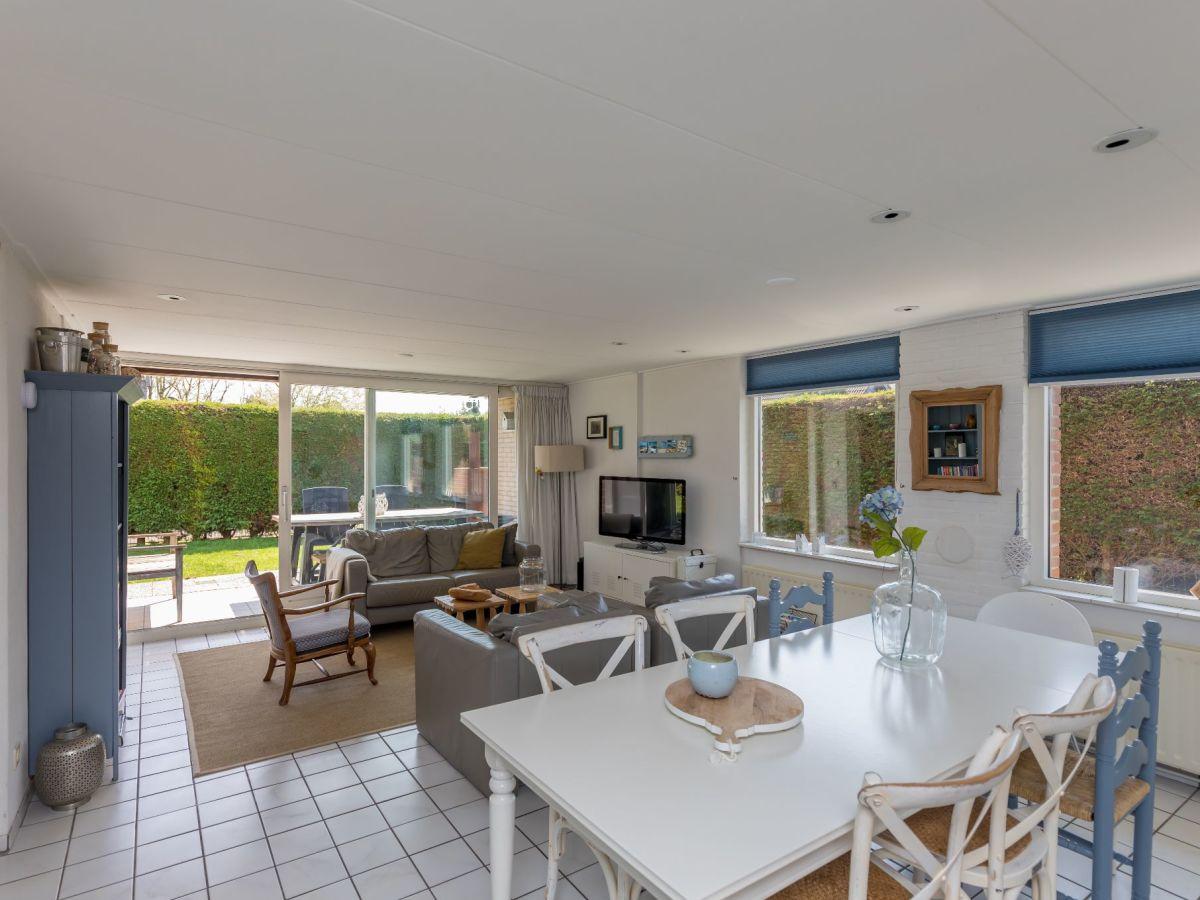 Ferienhaus bongerd 80 renesse firma sorglos urlaub in - Eingerichtete wohnzimmer ...