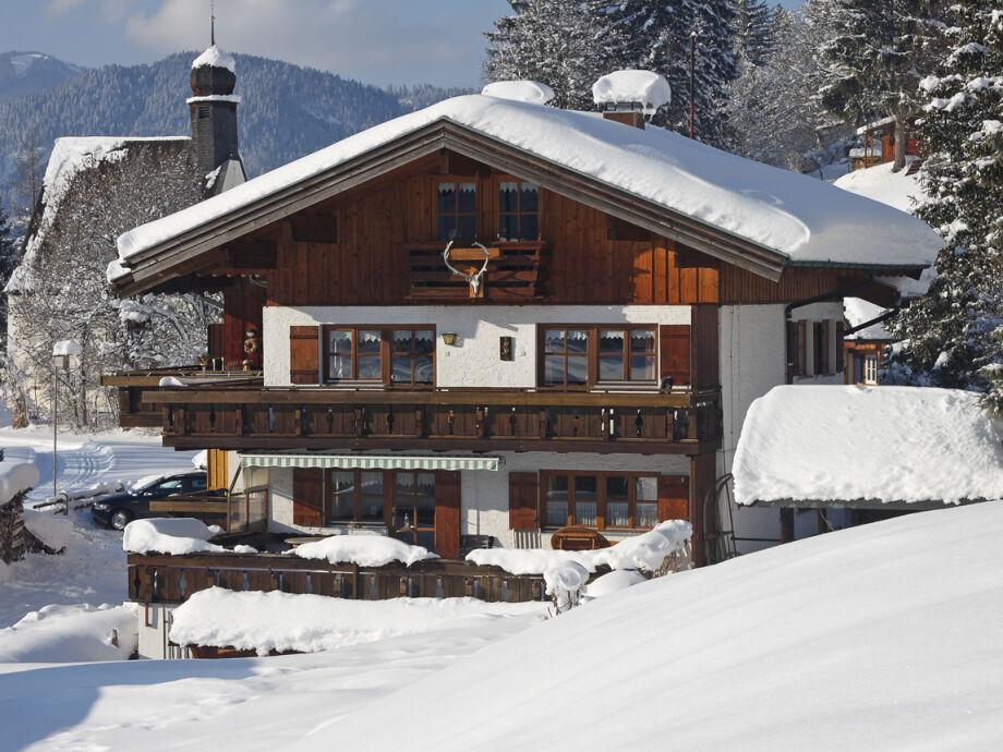Winterbild Haus Bergheimat in Oberstdorf