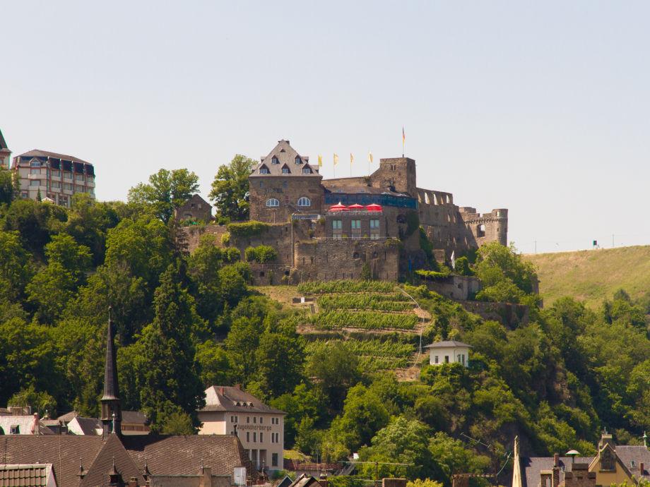 Blick vom Dachbalkon auf Burg Rheinfels