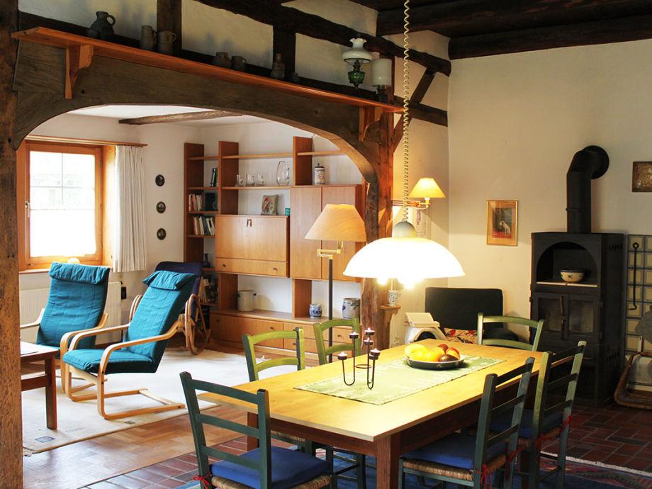 riesige Wohndiele mit Esstisch und Kamin