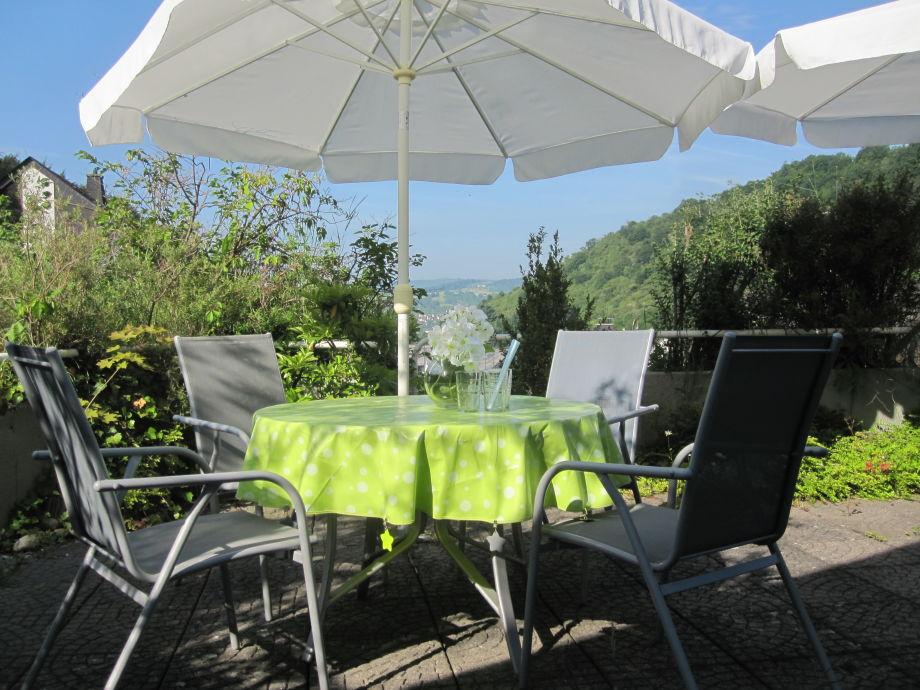 Blick von der Terrasse ins Rheintal