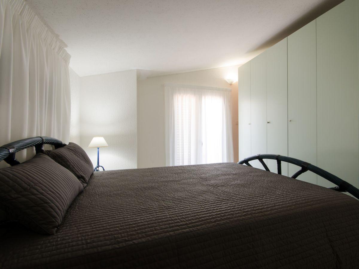 ferienwohnung casa julia siracusa firma syrakus homes. Black Bedroom Furniture Sets. Home Design Ideas