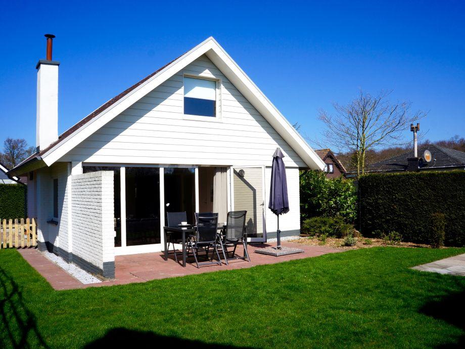 Das freistehende Ferienhaus mit sonnigem Garten