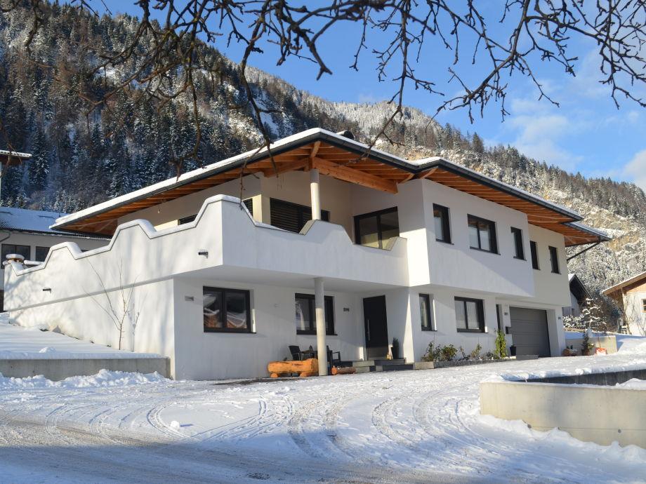 Gebäudeansicht Winter